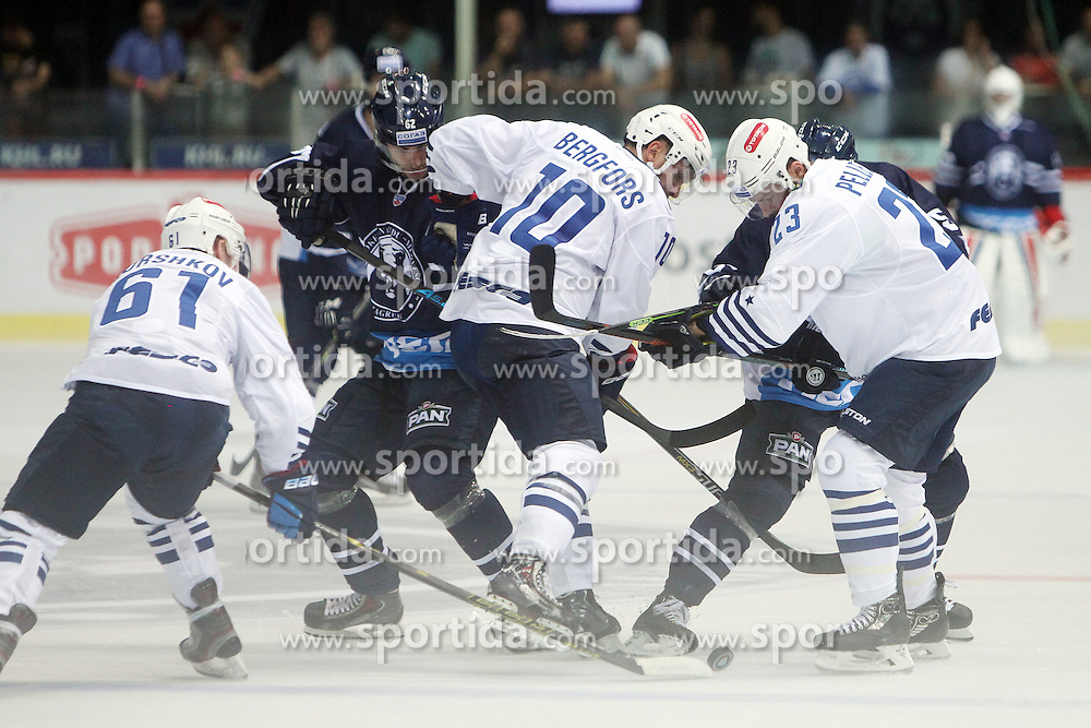 28.08.2015, Dom Sportova, Zagreb, CRO, KHL League, KHL Medvescak vs Admiral Vladivostok, 2. Runde, im Bild Alexander Gorshkov, Niclas Bergfors, Pascal Pelletier. // during the Kontinental Hockey League, 2nd round match between KHL Medvescak and Admiral Vladivostok at the Dom Sportova in Zagreb, Croatia on 2015/08/28. EXPA Pictures &copy; 2015, PhotoCredit: EXPA/ Pixsell/ Goran Jakus<br /> <br /> *****ATTENTION - for AUT, SLO, SUI, SWE, ITA, FRA only*****
