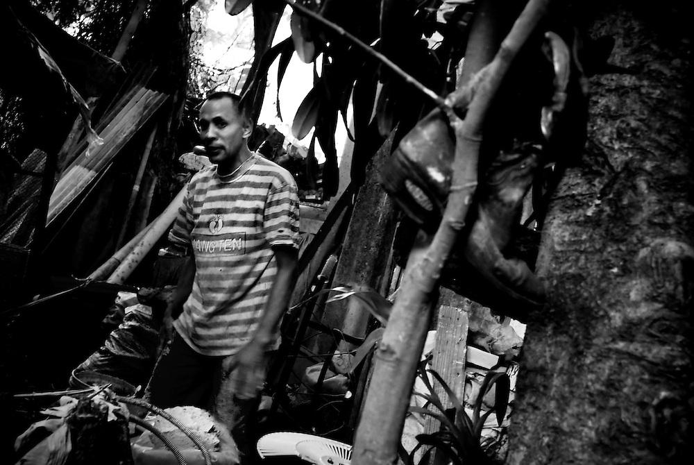 PROYECTO: LA PASTORA - 2009/10<br /> Photography by Aaron Sosa<br /> La Pastora, Caracas - Venezuela 2009<br /> (Copyright &copy; Aaron Sosa)