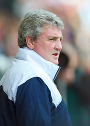 LIVERPOOL, ENGLAND - Sunday, March 28, 2010: Sunderland's manager Steve Bruce during the Premiership match at Anfield. (Photo by: David Rawcliffe/Propaganda)