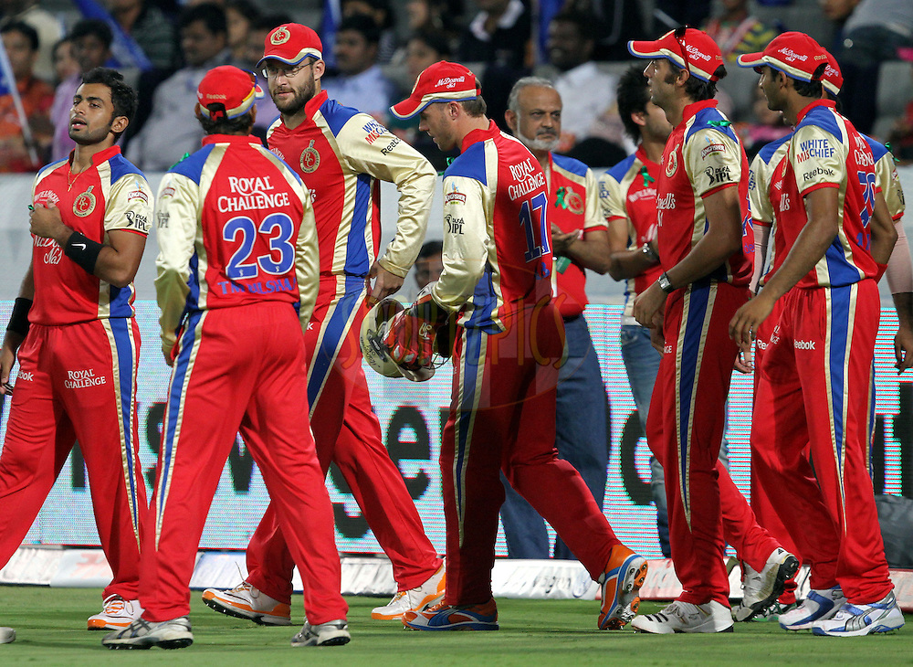RCB team moves on ground for match 11 of the Indian Premier League ( IPL ) between the Deccan Chargers and the Royal Challengers Bangalore held at the Rajiv Gandhi International Cricket Stadium in Hyderabad on the 14th April 2011..Photo by Prashant Bhoot/BCCI/SPORTZPICS.