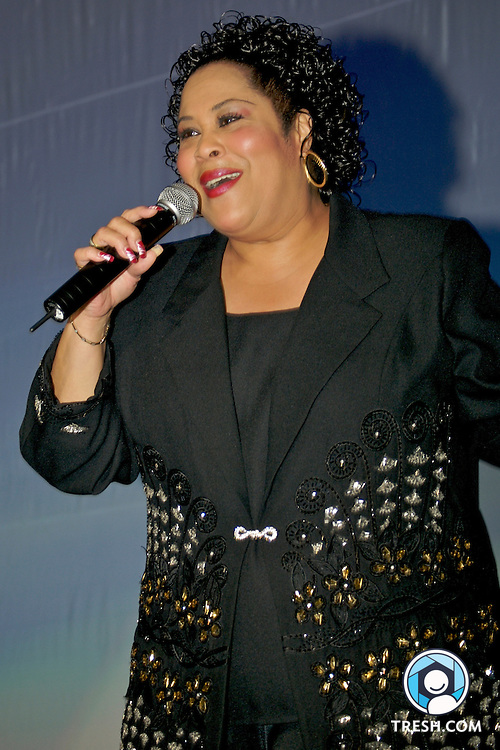 Martha Wash performs at the Tenth Annual HRC National Dinner