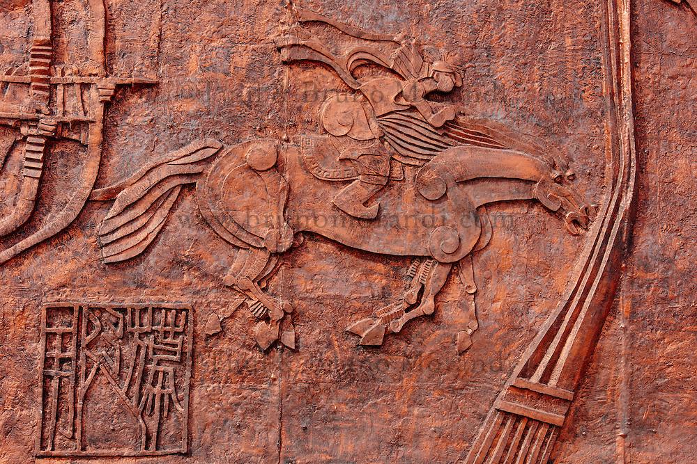 Chine, région autonome de Mongolie intérieure, désert de Badain Jaran, désert de Gobi, bas relief à l'entrée du site // China, Inner Mongolia, Badain Jaran desert, Gobi desert, bas-relief at the desert entrance