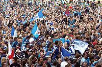 Photo: Kevin Poolman.<br />Reading v Derby County. Coca Cola Championship. 01/04/2006. Reading fans celebrate their championship win