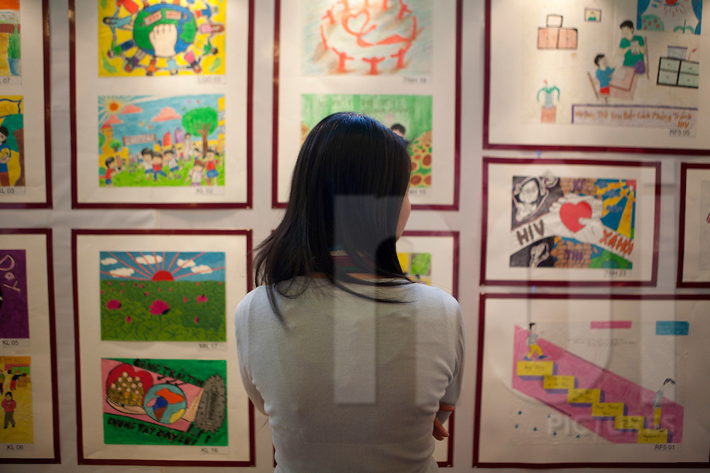 "Dance4life art contest 2010 ""Living together, no more taboos around HIV"". Artwork exhibition was held at Megastar Vincom, Hanoi, Vietnam, from October 31 to November 06. Photos ©Sébastien Löffler / NOI Pictures 2010."