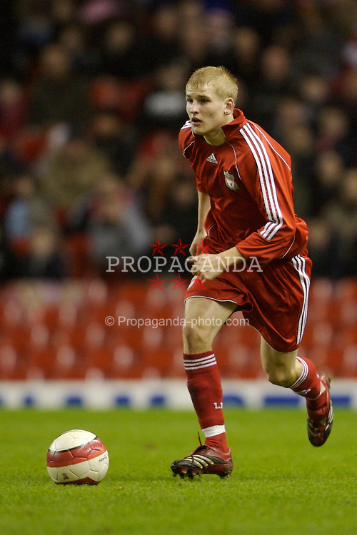 Liverpool, England - Friday, January 26, 2007: Liverpool's Robbie Threlfall in action against Reading during the FA Youth Cup 5th Round match at Anfield. (Pic by David Rawcliffe/Propaganda)