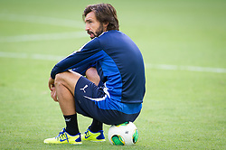 21.06.2013, Arena Fonte Nova, Salvador da Bahia, BRA, FIFA Confed Cup, Italien Training, im Bild  Pirlo sitzt nach seiner Verletzung auf einem Ball  during the FIFA Confederations Cup Training of Team Italy at the Arena Fonte Nova, Salvador da Bahia, Brazil on 2013/06/21. EXPA Pictures © 2013, PhotoCredit: EXPA/ Marcelo Machado