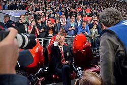 15-09-2015 NED: UEFA CL PSV - Manchester United, Eindhoven<br /> PSV kende een droomstart in de Champions League. De Eindhovenaren waren in eigen huis te sterk voor de miljoenenploeg Manchester United: 2-1 / Veel media, fotografen aandacht voor Coach Louis van Gaal