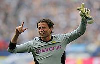 FUSSBALL   1. BUNDESLIGA   SAISON 2011/2012   31. SPIELTAG FC Schalke 04 - Borussia Dortmund                      14.04.2012 Torwart Roman Weidenfeller (Borussia Dortmund)  jubelt nach dem Abpfiff