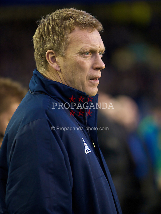 LIVERPOOL, ENGLAND - Sunday, December 6, 2009: Everton's manager David Moyes before the Premiership match against Tottenham Hotspur at Goodison Park. (Photo by David Rawcliffe/Propaganda)