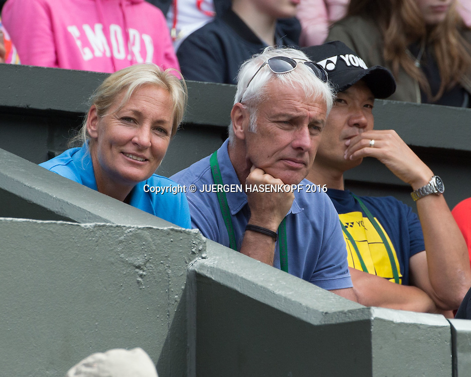 Barbara Rittner und Matthias Mueller in der Spielerloge auf dem Centre Court<br /> <br /> Tennis - Wimbledon 2016 - Grand Slam ITF / ATP / WTA -  AELTC - London -  - Great Britain  - 7 July 2016.