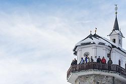28.12.2013, Hochstein, Lienz, AUT, FIS Weltcup Ski Alpin, Lienz, Riesentorlauf, Damen, 1. Durchgang, im Bild Zuschauer bei der Kapelle Gribelehof // Visitors at a tiny church during the 1st run of ladies giant slalom Lienz FIS Ski Alpine World Cup at Hochstein in Lienz, Austria on 2013-12-28, EXPA Pictures © 2013 PhotoCredit: EXPA/ Michael Gruber