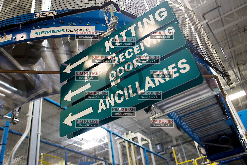 Signs inside Dell Computer's Topfer Manufacturing Center in Round Rock, Texas.  Photo By Kim Kulish