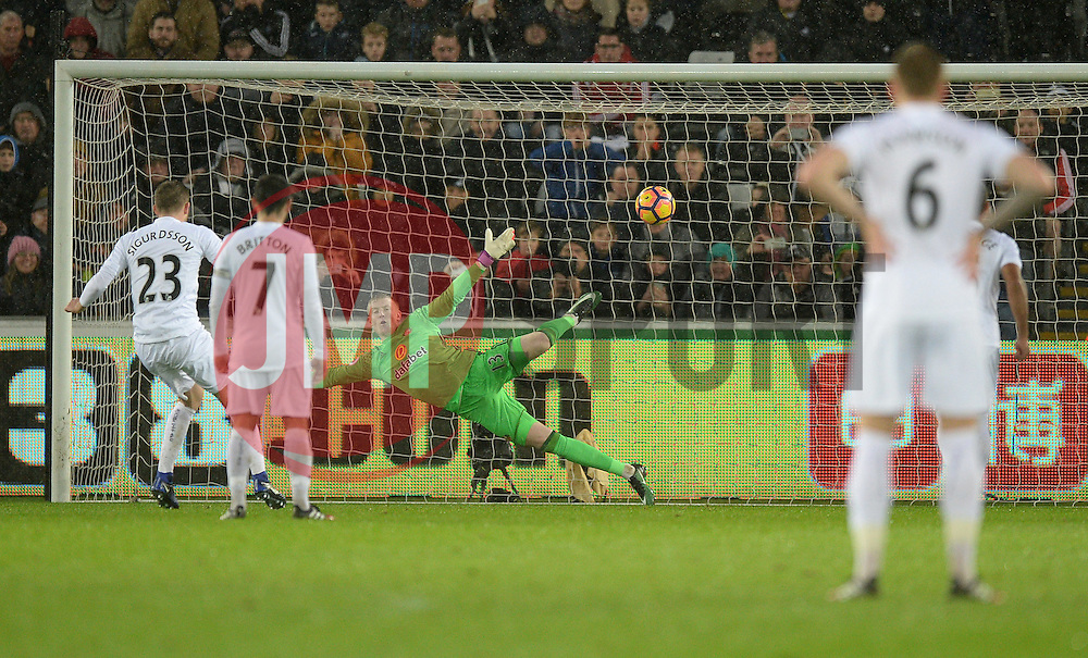 Gylfi Sigurdsson of Swansea City scores from a penalty to make it 1-0 - Mandatory by-line: Alex James/JMP - 10/12/2016 - FOOTBALL - Liberty Stadium - Swansea, England - Swansea City v Sunderland - Premier League