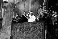 Roma   Gennaio 1998.Papa Giovanni Paolo II  visita il Campidoglio ricevuto dal Sindaco di Roma  Francesco Rutelli..Rome January 1998.Pope John Paul II visited the Capitol received by the Mayor of Rome Francesco Rutelli