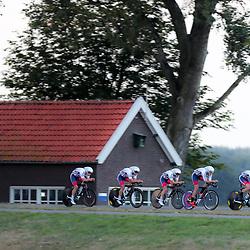 27-09-2016: Wielrennen: Olympia Tour: Hardenberg<br />HARDENBERG (NED) wielrennen<br />Nederlands oudste wielerkoers ging van start in Hardenberg met een ploegentijdrit. Team Great Britain