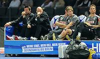 1. Oktober 2011: Berlin, Olympiastadion: Fussball 1. Bundesliga, 8. Spieltag: Hertha BSC - 1. FC Koeln: Koelns Trainer Stale Solbakken (2.v.l.) sitzt enttaeuscht auf der Bank.