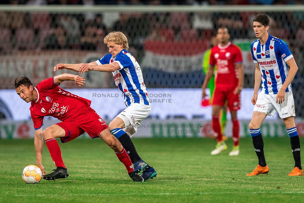 12-05-2018 NED: FC Utrecht - Heerenveen, Utrecht<br /> FC Utrecht win second match play off with 2-1 against Heerenveen and goes to the final play off / (L-R) Lukas Gortler #27 of FC Utrecht, Morten Thorsby #8 of SC Heerenveen