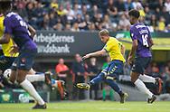 FODBOLD: Simon Hedlund (Brøndby IF) udligner til 1-1 under kampen i Superligaen mellem Brøndby IF og FC Midtjylland den 20. maj 2019 på Brøndby Stadion. Foto: Claus Birch.