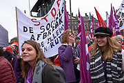 Protestdemonstratie FNV in Amsterdam tegen de regering en voor een socialer beleid in Nederland.