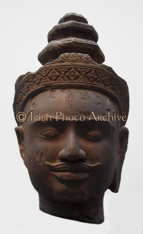 Head of Harihara. late 9th, early 10th century. Bakheng style (900-925) Sandstone sculpture from Cambodia. Harihara is the name of a combined deity form of both Vishnu (Hari) and Shiva ( Hara) from the Hindu tradition. Also known as Shankaranarayana