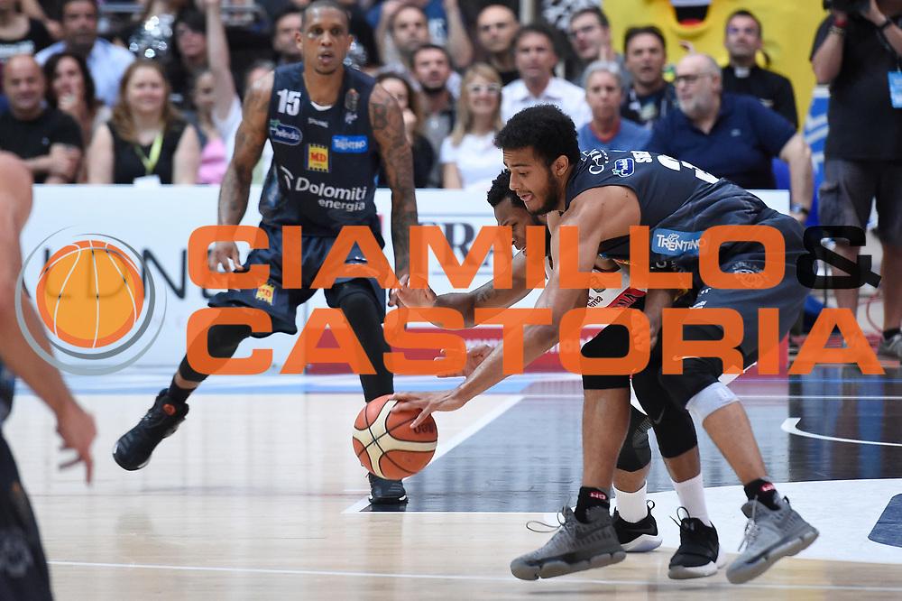 MarQuez Haynes, Shavon Shields<br /> Dolomiti Energia Aquila Basket Trento - Umana Reyer Venezia<br /> Lega Basket Serie A 2016/2017<br /> Playoff, finale gara 3<br /> Trento, 14/06/2017<br /> Foto M.Ceretti / Ciamillo-Castoria