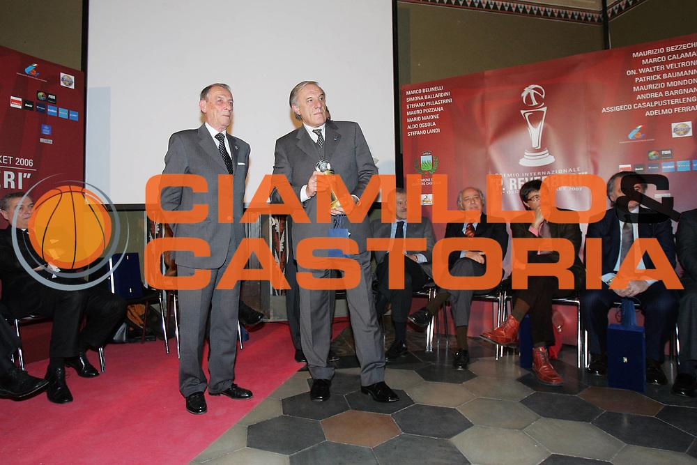 DESCRIZIONE : Quattro Castella Premio Reverberi Oscar del Basket 2006-07 <br /> GIOCATORE : Vitale Mondoni <br /> SQUADRA : <br /> EVENTO : Premio Reverberi Oscar del Basket <br /> GARA : <br /> DATA : 12/02/2007 <br /> CATEGORIA : <br /> SPORT : Pallacanestro <br /> AUTORE : Agenzia Ciamillo-Castoria/S.Silvestri <br /> Galleria : Lega Basket A1 2006-2007 <br /> Fotonotizia : Quattro Castella Premio Reverberi Oscar del Basket 2006-2007 <br /> Predefinita :