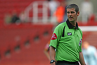 Photo: Pete Lorence.<br />Stoke City v Hull City. Coca Cola Championship. 21/04/2007.<br />Referee Andy d'Urso during the match.