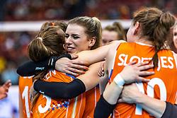 15-10-2018 JPN: World Championship Volleyball Women day 16, Nagoya<br /> Netherlands - USA 3-2 / Yvon Belien #3 of Netherlands, Britt Bongaerts #12 of Netherlands