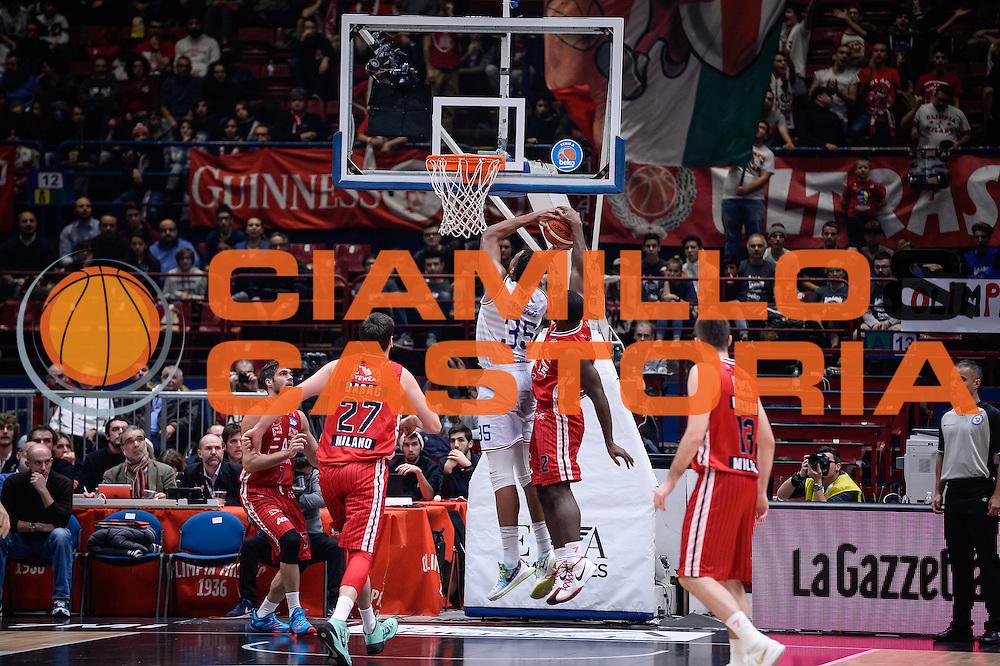 DESCRIZIONE : Milano Lega A 2015-16 <br /> GIOCATORE : Kenneth Kadji<br /> CATEGORIA : Tiro Contorcampo<br /> SQUADRA : Olimpia EA7 Emporio Armani Milano<br /> EVENTO : Campionato Lega A 2015-2016<br /> GARA : Olimpia EA7 Emporio Armani Milano Enel Brindisi<br /> DATA : 20/12/2015<br /> SPORT : Pallacanestro<br /> AUTORE : Agenzia Ciamillo-Castoria/M.Ozbot<br /> Galleria : Lega Basket A 2015-2016 <br /> Fotonotizia: Milano Lega A 2015-16