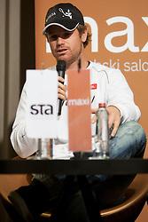 Blaz Kavciv med STA Maxi sportni klub, v katerem so govorilo o preboju teniskih igralvec v TOP 100. Dne 20, Novembra 2012 v Maksimarketu, Ljubljana, Slovenija. (foto Urban Urbanc / sportida)
