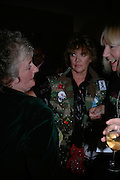 Maggi Hambling and Amanda Barrie, Maggi Hambling Paintings on Paper. Marlborough Gallery. London. 14 march 2007.  -DO NOT ARCHIVE-© Copyright Photograph by Dafydd Jones. 248 Clapham Rd. London SW9 0PZ. Tel 0207 820 0771. www.dafjones.com.