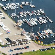 NLD/Biddinghuizen/20150822 - Vlucht boven haven Harderwijk en Holland Marine service