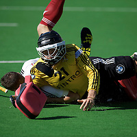 MELBOURNE - Champions Trophy men 2012<br /> Belgium v England<br /> foto: Vincent Vanash wins a duel with Mark Gleghorne.<br /> FFU PRESS AGENCY COPYRIGHT FRANK UIJLENBROEK