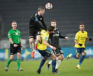 FODBOLD: André Rømer (Randers FC) hopper over Kamil Wilczek (Brøndby IF) under kampen i Superligaen mellem Brøndby IF og Randers FC den 24. februar 2019 på Brøndby Stadion. Foto: Claus Birch.