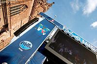 GEPA-2206085526 - BASEL,SCHWEIZ,22.JUN.08 - FUSSBALL - UEFA Europameisterschaft, EURO 2008, Host City Fan Zone, Fanmeile, Fan Meile, Public Viewing. Bild zeigt die Videowall. Keywords: Screen.<br />Foto: GEPA pictures/ Andreas Pranter