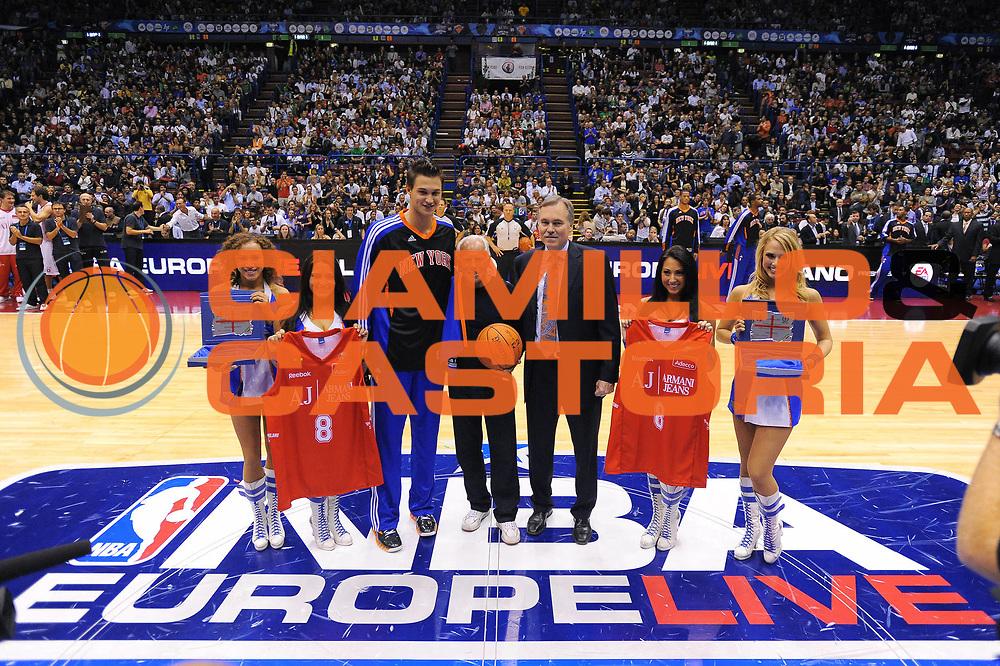 DESCRIZIONE : Milano NBA EUROPE LIVE TOUR 2010 Armani Jeans Milano New York Knicks<br /> GIOCATORE : Danilo Gallinari Giorgio Armani Mike DAntoni Cheerleaders<br /> SQUADRA : Armani Jeans Milano New York Knicks<br /> EVENTO : NBA EUROPE LIVE TOUR 2010 Armani Jeans Milano New York Knicks<br /> GARA : Armani Jeans Milano New York Knicks<br /> DATA : 03/10/2010<br /> CATEGORIA : Ritratto<br /> SPORT : Pallacanestro<br /> AUTORE : Agenzia Ciamillo-Castoria/A.Dealberto<br /> GALLERIA : NBA EUROPE LIVE TOUR 2010<br /> FOTONOTIZIA : NBA EUROPE LIVE TOUR 2010  Armani Jeans Milano New York Knicks<br /> PREDEFINITA :