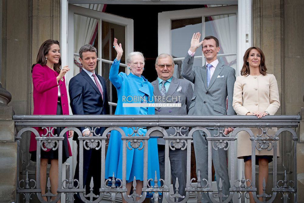 16-4-2016  COPENHAGEN - Queen Margrethe, Prince Henrik, Crownprince Frederik, Crownprincess Mary, Prince Christian,  Princess Josephine of Denmark, Princess Isabella of Denmark, Prince Vincent of Denmark, Prince Christian of Denmark, Prince Nikolai of Denmark, Prince Felix of Denmark, Princess Athena of Denmark Princess Isabella, Prince Joachim, Princess Marie, Prince Nikolai, Prince Felix and Prince Henrik jr celebrate the 76th Birthday of Queen Margrethe and wave to the danish people at the balcony of Amalienborg Palace in Copenhagen, 16 April 2016. COPYRIGHT ROBIN UTRECHT<br /> 16-4-2016 KOPENHAGEN - Koningin Margrethe, Prins Henrik, kroonprins Frederik, Kroonprinses Mary, prins Christian, prinses Isabella, prins Joachim, Prinses Marie, Prins Nikolai, Prins Felix en prins Henrik jr viert de 76ste verjaardag van koningin Margrethe en zwaaien naar de deense mensen op het balkon van Paleis Amalienborg in Kopenhagen, 16 april 2016. COPYRIGHT ROBIN UTRECHT