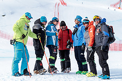 11.02.2017, St. Moritz, SUI, FIS Weltmeisterschaften Ski Alpin, St. Moritz 2017, Abfahrt, Herren, im Bild Peter Pen of Slovenia, Alex Hoedlmoser (Cheftrainer US Skiteam Herren Speed), Mathias Berthold (DSV Bundestrainer Herren), Massimo Carca (FISI Cheftrainer Herren), Andreas Puelacher (Sportlicher Leiter ÖSV Ski Alpin Herren), David Cheftem (FRA, Ski Alpin Cheftrainer) mit Trainern anderer Nationen // Alex Hoedlmoser (Men's Speed Headcoach of US Skiteam) DSV head coach Men Mathias Berthold Massimo Carca (FISI Headcoach Ski Alpin men) Austrian Ski Association head Coach alpine Men's Andreas Puelacher head coach of French Ski team David Cheftem and Coaches of other Nations before the beginning of the men's Downhill of the FIS Ski World Championships 2017. St. Moritz, Switzerland on 2017/02/11. EXPA Pictures © 2017, PhotoCredit: EXPA/ Johann Groder