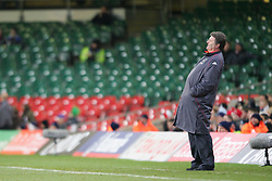CARDIFF, WALES - WEDNESDAY, MARCH 1st, 2006: Wales' manager John Toshack during the International Friendly match against Paraguay at the Millennium Stadium. (Pic by Dan Istitene/Propaganda)