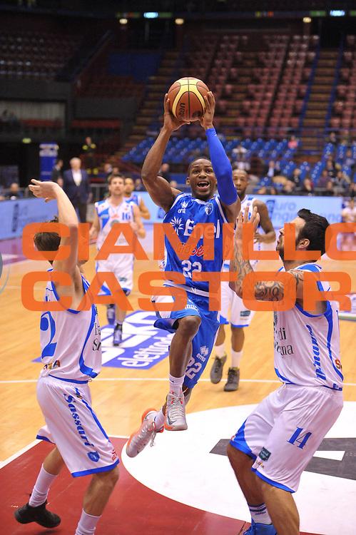 DESCRIZIONE : Milano Coppa Italia Final Eight 2013 Quarti di Finale Banco di Sardegna Sassari Enel Brindisi<br /> GIOCATORE : Jonathan Gibson<br /> CATEGORIA : Tiro<br /> SQUADRA : Enel Brindisi<br /> EVENTO : Beko Coppa Italia Final Eight 2013<br /> GARA : Banco di Sardegna Sassari Enel Brindisi<br /> DATA : 08/02/2013<br /> SPORT : Pallacanestro<br /> AUTORE : Agenzia Ciamillo-Castoria/V.Tasco<br /> Galleria : Lega Basket Final Eight Coppa Italia 2013<br /> Fotonotizia : Milano Coppa Italia Final Eight 2013 Quarti di Finale Banco di Sardegna Sassari Enel Brindisi<br /> Predefinita :