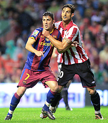 25.09.2010, San Mames, Bilbao, ESP, Primera Division, Athletic Bilbao vs FC Barcelona, im Bild FC Barcelona's David Villa (l) and Athletic de Bilbao's Aitor Ocio during La Liga match. EXPA Pictures © 2010, PhotoCredit: EXPA/ Alterphotos/ Acero +++++ ATTENTION - OUT OF SPAIN / ESP +++++