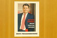 """10 DEC 2002, BERLIN/GERMANY:<br /> Hinweiseschild, Pressekonferenz Vorstellung des Buches """"Mehr Politik wagen"""" von Sigmar Gabriel, SPD, Ministerpraesident Niedersachsen, Haus der Bundespressekonferenz<br /> IMAGE: 20021210-01-006"""
