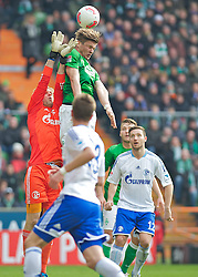 06.04.2013, Weserstadion, Bremen, GER, 1. FBL, SV Werder Bremen vs FC Schalke 04, 28. Runde, im Bild Timo Hildebrand (FC Gelsenkirchen Schalke 04 #34) klaert vor Sebastian Prödl/ Proedl (Bremen #15) // during the German Bundesliga 28th round match between the clubs SV Werder Bremen vs FC Schalke 04 at the Weserstadion, Bremen, Germany on 2013/04/06. EXPA Pictures © 2013, PhotoCredit: EXPA/ Andreas Gumz..***** ATTENTION - OUT OF GER *****