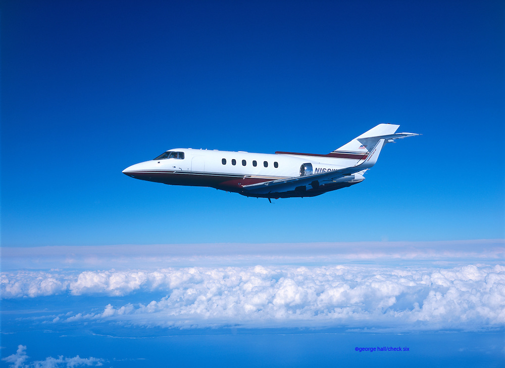 Hawker 800 in flight