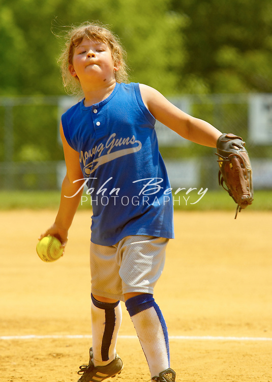 10 & Under Softball, Team Extreme vs Young Guns,..May 14, 2005