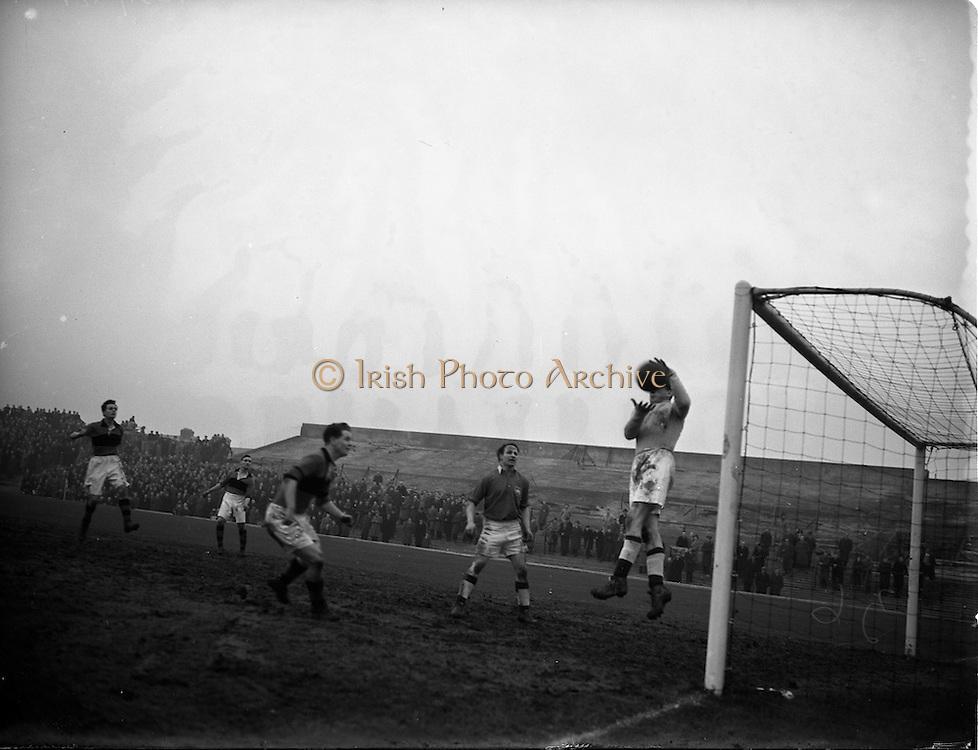 15/02/1953<br /> 02/15/1953<br /> 15 February 1953 <br /> Soccer: Bohemians F.C. v Limerick at Dalymount Park, Phibsborough, Dublin.