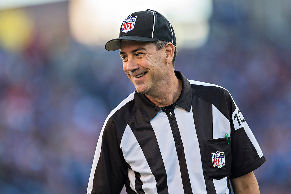 NASHVILLE, TN - OCTOBER 20:  Line Judge Gary Arthur during a game between the Tennessee Titans and the San Francisco 49ers at LP Field on October 20, 2013 in Nashville, Tennessee.  The 49ers defeated the Titans 31-17.  (Photo by Wesley Hitt/Getty Images) *** Local Caption *** Gary Arthur
