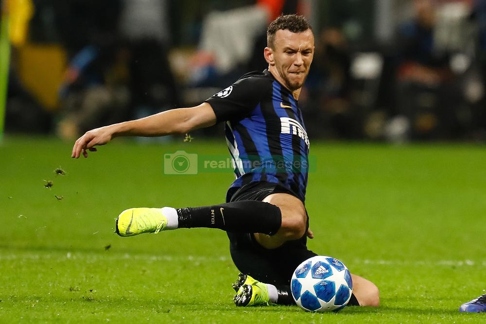 صور مباراة : إنتر ميلان - برشلونة 1-1 ( 06-11-2018 )  20181107-zaa-n230-041