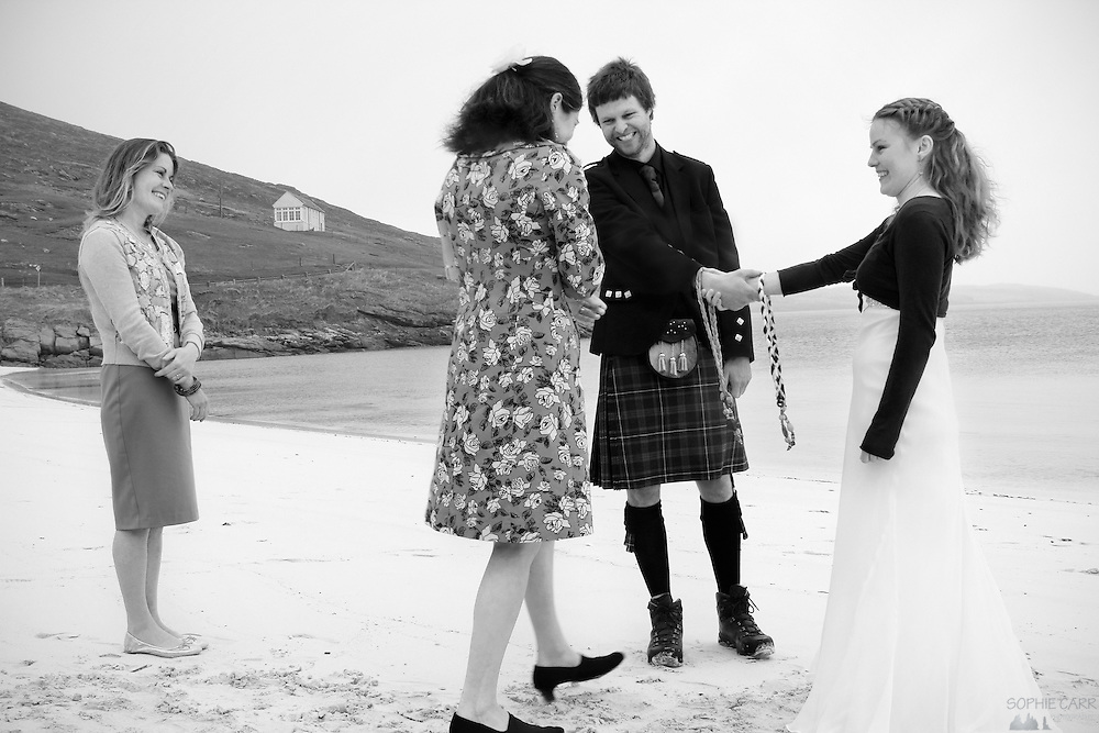 Onie performs the ceremony at Jan & Carrie's wedding on Vatersay Beach