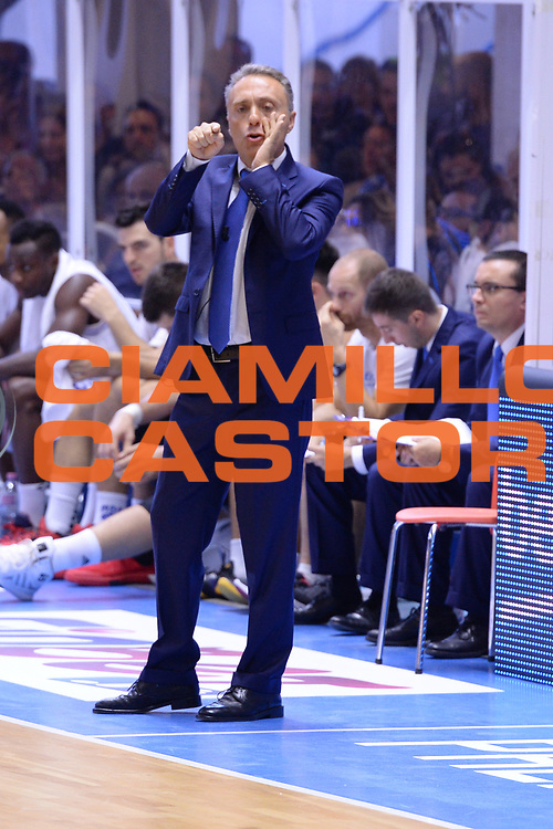 DESCRIZIONE : Brindisi  Lega A 2015-16<br /> Enel Brindisi Obiettivo Lavoro Virtus Bologna<br /> GIOCATORE : Piero Bucchi<br /> CATEGORIA : Allenatore Coach  Mani<br /> SQUADRA : Enel Brindisi<br /> EVENTO : Campionato Lega A 2015-2016<br /> GARA :Enel Brindisi Obiettivo Lavoro Virtus Bologna<br /> DATA : 11/10/2015<br /> SPORT : Pallacanestro<br /> AUTORE : Agenzia Ciamillo-Castoria/M.Longo<br /> Galleria : Lega Basket A 2014-2015<br /> Fotonotizia : Brindisi  Lega A 2015-16 Enel Brindisi Obiettivo Lavoro Virtus Bologna<br /> Predefinita :